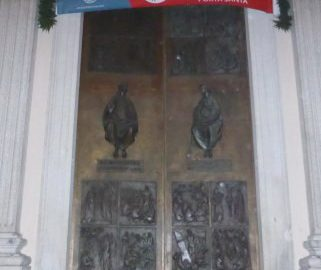 Luino: pellegrinaggio decanale in Duomo per celebrare la Misericordia